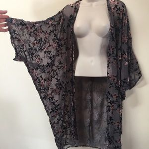 Sheer & velvet long floral kimono, grey and pink